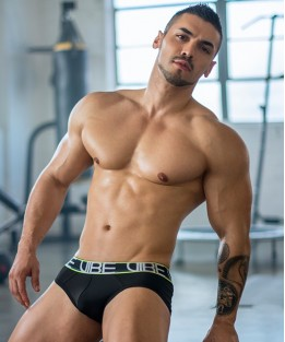 Vibe Sports & Workout Tagless Brief - Black